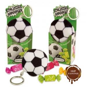 Сувенир брелок футбольный мяч с конфетами.