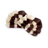 Шоколадный декор веер из белого и темного шоколада