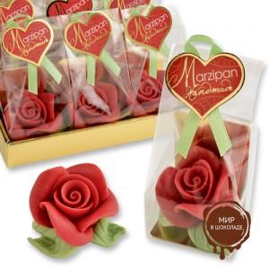 Фигурки марципановые красные розочки с листиками