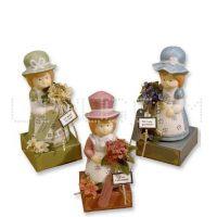 Подарок фарфоровая кукла Ностальжи с шоколадом, 16 шт.