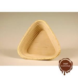 Форма для расстойки теста из ротанга треугольная, 17.5 см