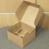 Картонная коробка под капкейки на 4 шт. из бур/бел крафт картона. Размер 160*160*110 мм.