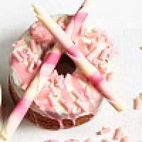 Розовые шоколадные карандаши, 900 гр.