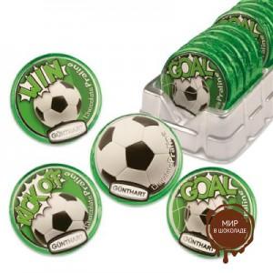 Шоколадки футбольные мячи.